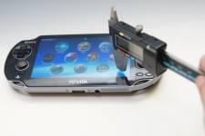 Accessoire psvita protege ecran 31.05.2013 (3)