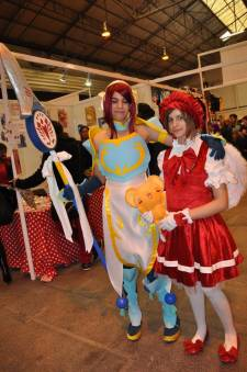 Japan-expo-sud-4-vague-marseille-cosplay-couloirs-stands-dimanche-2012 - Verticales - 0413