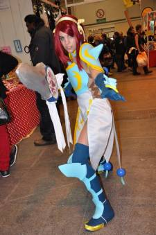 Japan-expo-sud-4-vague-marseille-cosplay-couloirs-stands-dimanche-2012 - Verticales - 0418