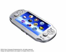 PlayStation Vita grise Ice Silver 30.01.2013. (1)